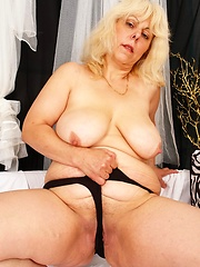Horny old broad takes a dicking!