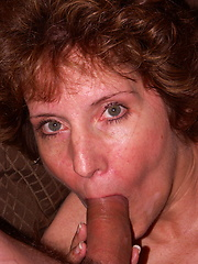 Mature Amy loves to munch on cock