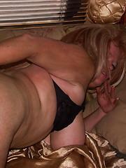 Sexy american milf rides hard cock