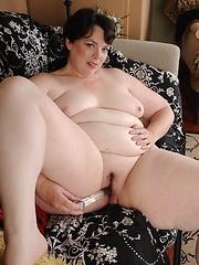 BBW woman solo masturbation