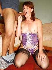 Mature woman Linda swallowing  young dick