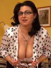 Horny Big Breeasted Slut Sucking and Fucking