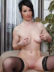Horny MILF getting her groove on