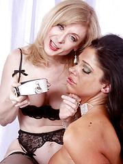 Nina Hartley makes Angela shiver with bondage fun